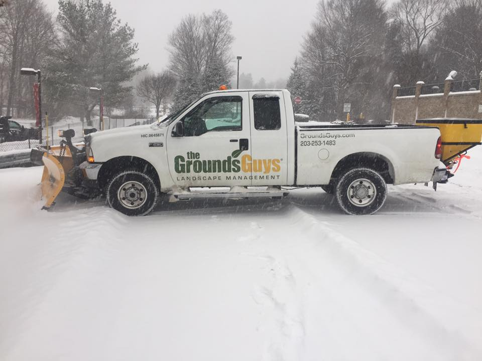 commercial snow plowing southbury ct 06487