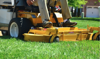 lawn maintenance southbury ct 06487